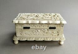 Antique Chinese export carved jewellery box late 19th C