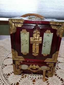 Antique chinese jewelry box in excellent condition