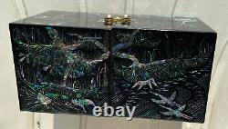 Black Lacquered Chinese Abalone Inlay Jewelry Box With 4 Compartments