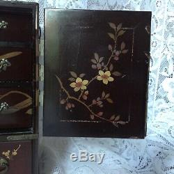 Chinese Antique Laquered Wood Jewellery Box, Hand Painted