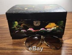 LACQUER Singing CHINESE EXPORT Mother of Pearl Inlay Jewelry + Key BOX painted