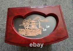 Large Vintage Chinese Inlaid Lacquered Jewellery Box