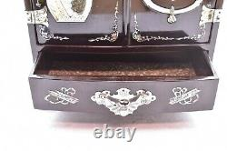 RARE Beautiful Vintage Mother Of Pearl Inlay Chinese Black Lacquer Jewelry Box