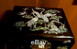 VTG Black Lacquered Chinese Japan Jewelry Music Box with Inlaid Mother of Pearl