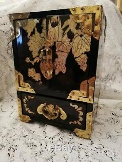 Vintage Chinese Laquered Jewellery Box