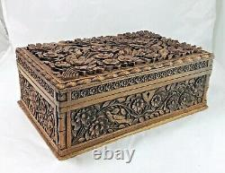 Vintage Chinese Wooden Jewelry Box withRaised Relief. Flower, Bird Motif